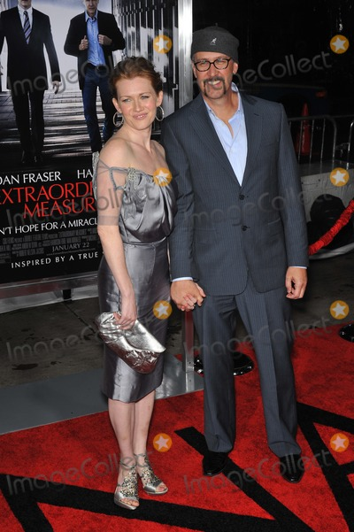 Alan Ruck Photo - Mireille Enos  husband Alan Ruck at the premiere of Extraordinary Measures at Graumans Chinese Theatre HollywoodJanuary 19 2010  Los Angeles CAPicture Paul Smith  Featureflash
