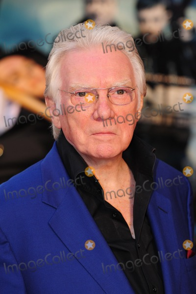 Alan Ford Photo - Alan Ford arrives for the premiere of The Sweeney at the Vue cinema Leicester Square London 04092012 Picture by Simon Burchell  Featureflash