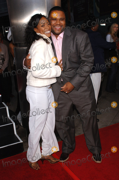Anthony Smith Photo - Actor ANTHONY ANDERSON  actress KELLITA SMITH at the Los Angeles premiere of their new movie Kings RansomApril 21 2005 Los Angeles CA 2005 Paul Smith  Featureflash