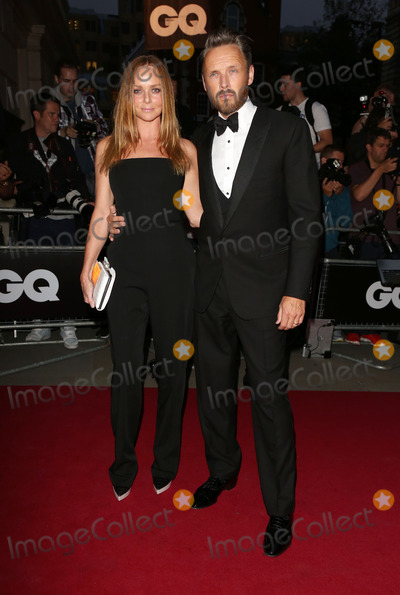 Alasdhair Willis Photo - Stella McCartney and husband Alasdhair Willis arriving for the 2012 GQ Men Of The Year Awards Royal Opera House London 05092012 Picture by Henry Harris  Featureflash