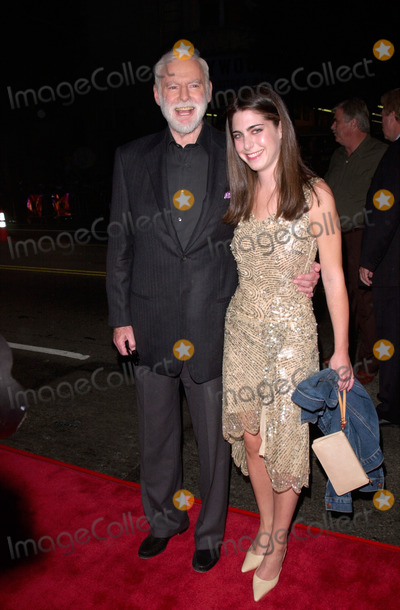 Amanda Goldberg Photo - Producer LEONARD GOLDBERG  daughter AMANDA GOLDBERG at the world premiere of Charlies Angels at the Manns Chinese Theatre in Hollywood22OCT2000  Paul Smith  Featureflash