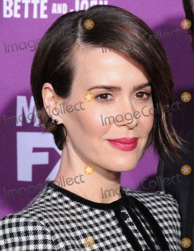 Graumans Chinese Theatre Photo - HOLLYWOOD CA - MARCH 1  Actress Sarah Paulson attends Red Carpet Event for FXs Feud Bette And Joan at Graumans Chinese theatre on March 1 2017 in Hollywood California  (Photo by Barry KingImageCollectcom)