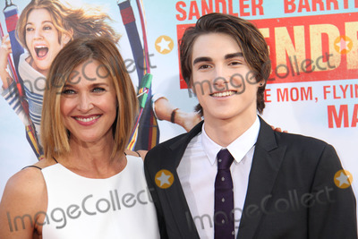Brenda Strong Photo - Brenda Strong Zak Henri 05212014 Los Angeles premiere of Blended held at TCL Chinese Theatre in Hollywood CA Photo by Izumi Hasegawa  HollywoodNewsWirenet