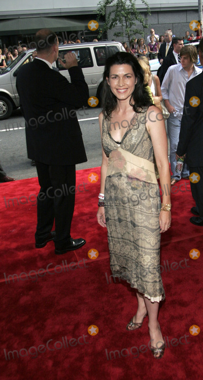 ARABELLA HOLZBOG Photo - Actress Arabella Holzbog arrives to the premiere of Bad News Bears at the Ziegfield Theater July 18 2005 in