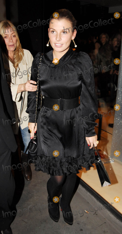 Coleen McLoughlin Photo - London UK Coleen McLoughlin  arrives at the Vogue Covers Party held at Chanel Boutique in London UK 17th October 2007Steve McGarryLandmark Media