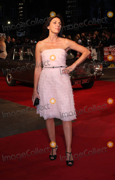Gina Bellman Photo - London UK Gina Bellman at the World Premiere of Made In Dagenham at the Odeon Leicester Square London 20th September 2010Keith MayhewLandmark Media
