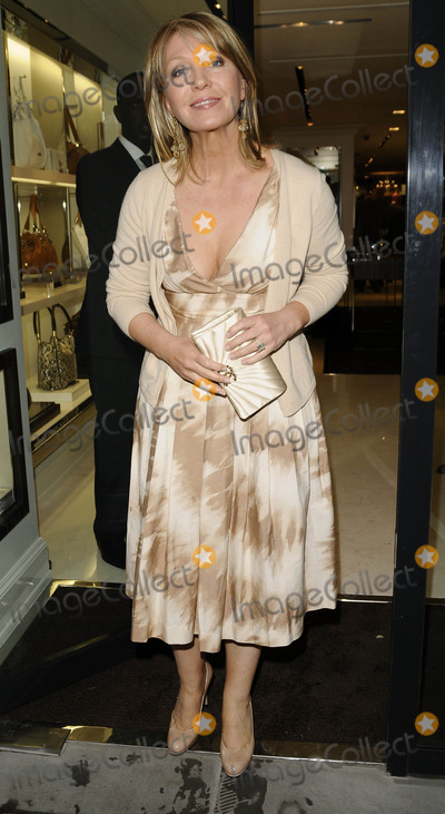 Kirsty Young Photo - LondonUK Kirsty Young   at the  Michael Kors flagship store launch party Michael Kors Boutique New Bond Street  27th April 2009 Can NguyenLandmark Media