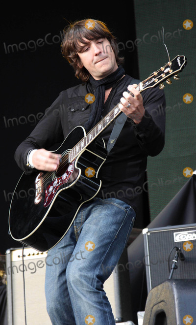 Dan Hipgrave Photo - Silverstone NorthamptonshireUK  Dan Hipgrave  from the group the Toploader   performs at the Silverstone Classic Meeting at Silverstone Grand Prix Racetrack Northants  24th July 2009 Keith MayhewLandmark Media