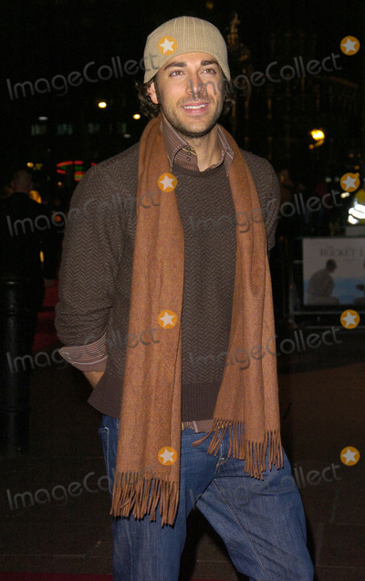 Zach Levi Photo - London UK Zach Levi at the UK Premiere of The Bucket List held at the Vue cinema Leicester Square 23 January 2008 Can NguyenLandmark Media