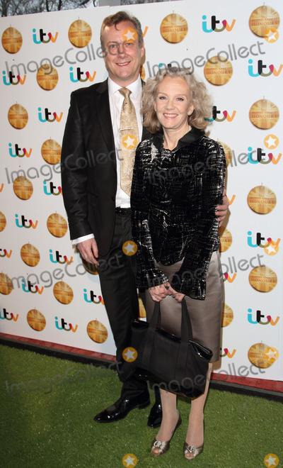 Hayley Mills Photo - Borehamwood Hertfordshire Stephen Tompkinson and Hayley Mills at The British Animal Honours at BBC Elstree Studios Borehamwood Hertfordshire  April 11th 2013Keith MayhewLandmark Media