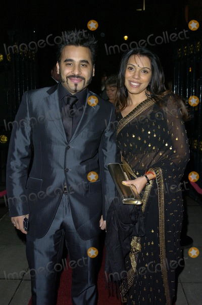 Ameet Chana Photo - London UK Ameet Chana and guest at the Asian Women Awards for Excellence 2007 at Banqueting House 24th November 2007 Can NguyenLandmark Media