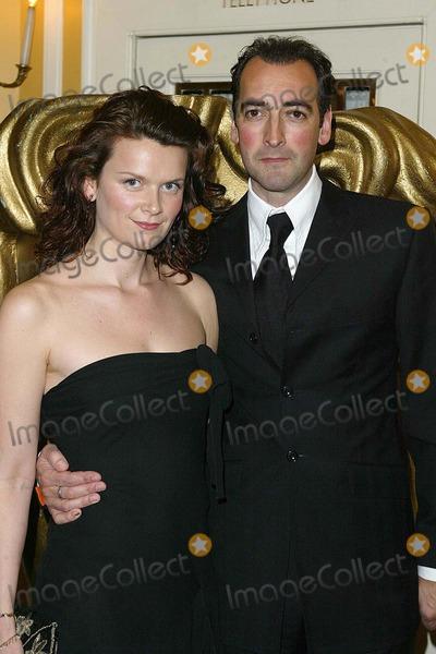 Alistair McGowan Photo - London Alistair McGowan at the British Academy Television Craft Awards 16 May 2004JENNY ROBERTSLANDMARK MEDIA