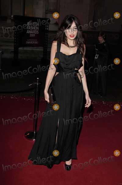 Daisy Lowe Photo - London UK  Daisy Lowe at the British Fashion Awards held at the Royal Courts of Justice The Strand London9 December 2009 Ref   Keith MayhewLandmark Media