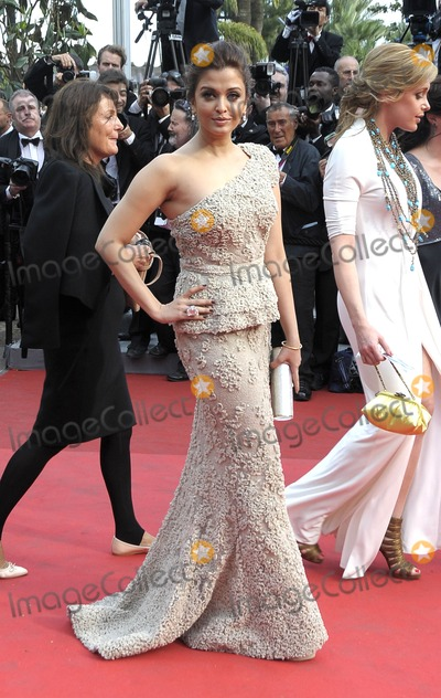 Aishwarya Rai-Bachchan Photo - Cannes France Aishwarya Rai Bachchan  at the Opening Ceremony and Midnight In Paris Premiere at the Palais des Festivals during the 64th Cannes Film Festival held at the Palais des Festivals et des Congres 11th May 2011SydLandmark Media