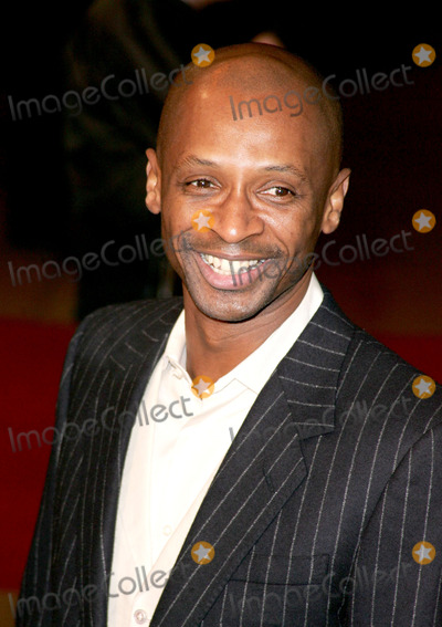 Andy Abraham Photo - London Andy Abraham from the X Factor at the UK premiere of  King Kong at the Odeon Leicester Square08 December 2005Keith MayhewLandmark Media