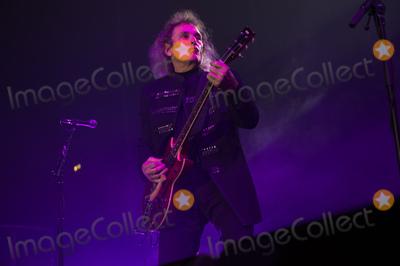 Alice Cooper Photo - London UK Original guitarist Michael Bruce of Alice Coopers band  performing with Alice Cooper  at SSE Arena London England UK on Thursday 16 November 2017 Ref LMK370-J1153-171117Justin NgLandmark MediaWWWLMKMEDIACOM