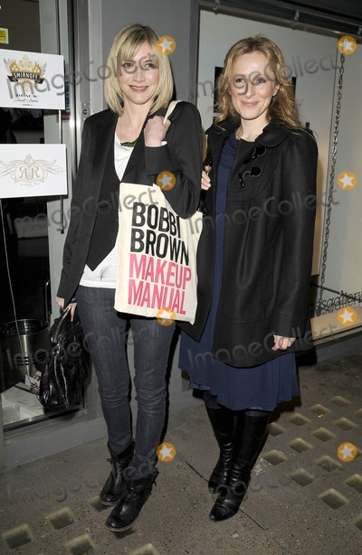 Nicola Stephenson Photo - London UK Lisa Faulkner and  Nicola Stephenson and Angela Griffin at the Bobbi Brown book launch party held at the Getty Images Gallery in London 29th January 2009Can NguyenLandmark Media