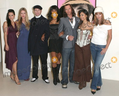 Catalina Guirado Photo - London Michelle MacErlean Natasja Vermeer Jason Connery Judi Shekoni Luke Goss Aruna Shields and Catalina Guirado at the Private Moments photocall at the Apart Gallery13 December 2004Paulo PirezLandmark Media