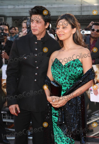 Shahrukh Khan Photo - London UK Shahrukh Khan and Gauri Khan at the World Premiere of Raavan held at the BFI South Bank London 16th June 2010Keith MayhewLandmark Media