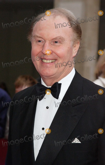 Tim Pigott-Smith Photo - London UK  Actor Tim Pigott-Smith    at the  Galaxy British Book Awards held at the Grosvenor House Hotel Park Lane London  9th  April 2008  Keith MayhewLandmark Media