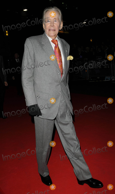 Peter O Toole Photo - LondonUK Peter OToole at  the   premiere of  his film  Dean Spanley  Odeon West End London Film Festival 17th October 2008Can NguyenLandmark Media