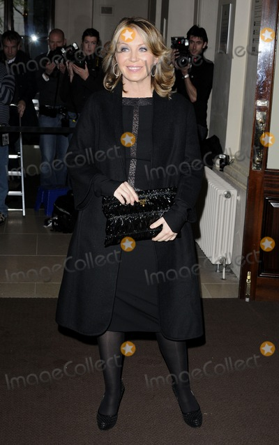 Kirsty Young Photo - London UK Kirsty Young at the Evening Standard Theatre Awards held at the Royal Opera House in Covent Garden23 November 2009Can NguyenLandmark Media
