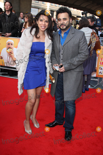 Ameet Chana Photo - LondonUK Ameet Chana  and guest  at the World Premiere of the film comedy The Infidel Hammersmith Apollo London 8th April 2010 Keith MayhewLandmark Media