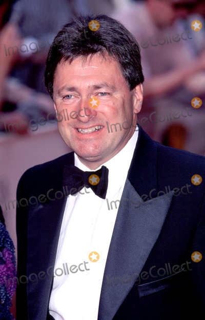 Alan Titchmarsh Photo - LondonAlan Titchmarsh arrives for the BAFTAs14th May 2000Picture by Trevor MooreLandmark Media