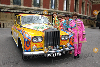John Lennon Photo - London UK 010617The Bootleg Beatles with a replica of John Lennons psychedelic Rolls-Royce Phantom car The photocall marks the 50th anniversary of The Beatles iconic album Sgt Peppers Lonely Hearts Club Band on 1 June 1967 The tribute band are also marking the occasion by performing with the Liverpool Philharmonic Orchestra at sold-out show at Londons Royal Albert HallJune 1st 20171 June 2017Ref LMK73-MB171-010617Keith MayhewLandmark MediaWWWLMKMEDIACOM