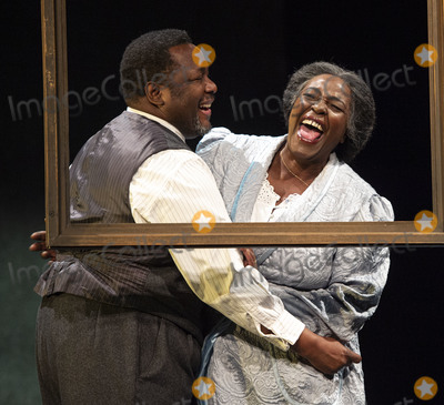Wendel Pierce Photo - London UK  Wendell Pierce and Sharon D Clarke  at the photo call for the Arthur Miller classic Death of a Salesman at the Piccadilly theatre West End London 1st November 2019 RefLMK386-S2535-011119 Gary MitchellLandmark Media WWWLMKMEDIACOM