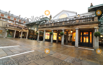 Covent Garden Photo - London UKLondon Covent Garden Large empty spaces where tourists usually gather and deserted streets around landmarks due to the threat of a further spread of coronavirus -COVID-19   London 19th March 2020Ref LMK73-J6378-200320Keith MayhewLandmark MediaWWWLMKMEDIACOM