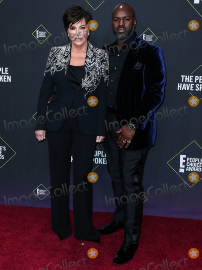 Kris Jenner Photo - SANTA MONICA LOS ANGELES CALIFORNIA USA - NOVEMBER 10 Kris Jenner and boyfriend Corey Gamble arrive at the 2019 E Peoples Choice Awards held at Barker Hangar on November 10 2019 in Santa Monica Los Angeles California United States (Photo by Xavier CollinImage Press Agency)