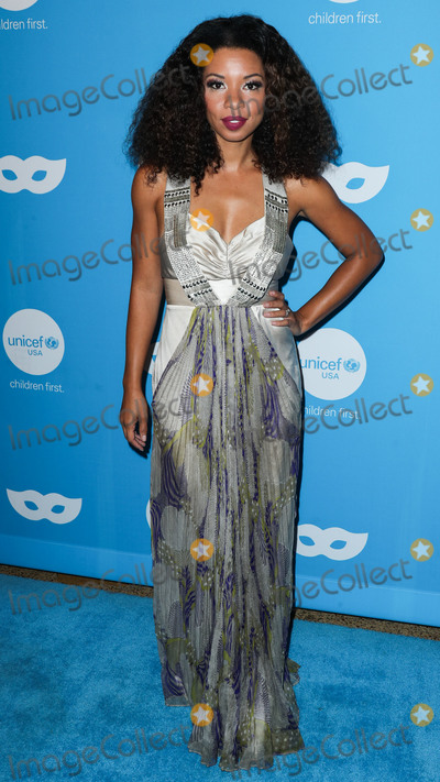 Angel Parker Photo - LOS ANGELES CA USA - OCTOBER 25 Angel Parker at the Sixth Annual UNICEF Masquerade Ball held at Cliftons Republic on October 25 2018 in Los Angeles California United States (Photo by Xavier CollinImage Press Agency)