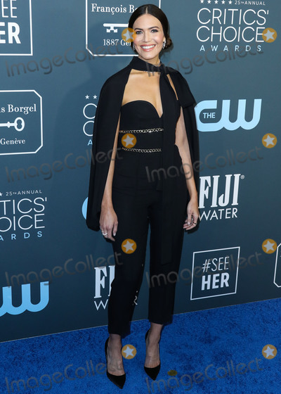 Mandy Moore Photo - SANTA MONICA LOS ANGELES CALIFORNIA USA - JANUARY 12 Actress Mandy Moore wearing Elie Saab arrives at the 25th Annual Critics Choice Awards held at the Barker Hangar on January 12 2020 in Santa Monica Los Angeles California United States (Photo by Xavier CollinImage Press Agency)