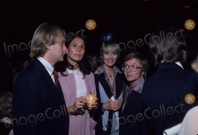 Arte Johnson Photo - Arte Johnson with Wife Gisela  Martin Mull and Wife Sandra Baker G4922b Photo by Bob V Noble-Globe Photos Inc