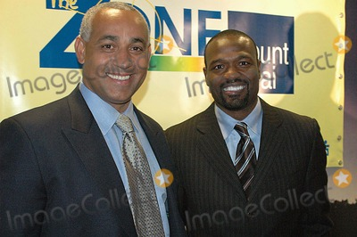 Harold Reynolds Photo - (L) Omar Manaya (R) Harold Reynolds (Espn Studio Former Major League Baseball Player) K46673kr MT Sinai Hospital New Zone Dedication of New Zone For Sick Kids New York City 02-07-2006 Photo Ken Rumments-Globe Photos Inc