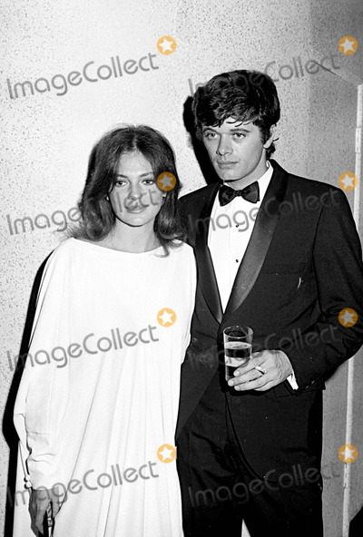 Michael Sarrazin Photo - Jackie Bissett with Michael Sarrazin 1968 5441 Photo by World News PeatruesipolGlobe Photos Inc