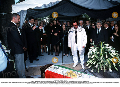 As Yet Photo - IMAPRESS PH  CLEMOT  BENITOFUNERAL OF PRINCESS LEILA PAHLAVI IN PARIS 16TH JUNE 2001 IN TOTAL BEREAVEMENT THE EX-EMPRESS OF IRAN FARAH PAHLAVI BURIED HER DAUGHTER IN THE PASSY CEMETERY IN PARIS LEILA PAHLAVI 31 PASSED AWAY A WEEK AGO IN LONDON THE OFFICIAL COMMUNIQUE WRITTEN BY HER MOTHER INDICATED THAT SHE PASSED AWAY IN HER SLEEP BUT THE EXACT CIRCUMSTANCES OF THE DEACEASED REMAIN AS YET UNKNOWNBEHIND THE MOLLAH REZA II PRINCE ALI REZA MRS TAITTINGER PRINCESS FARAHNAZ EMPRESS FARAH PRINCESS ASHRAF GOLAM PAHLAVI AND ABDO PAHLAVICREDIT IMAPRESSCLEMOTBENITOGLOBE PHOTOS INC