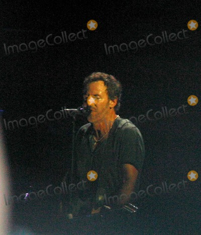 Bruce Springsteen Photo - Sd0731 Bruce Springsteen in Concert Ashbury Park New Jersey Photojohn BarrettGlobe Photos Inc