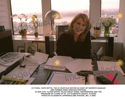 Anna Wintour Photo - K17753EL KATE BETTS THE 35 YEAR OLD EDITOR-IN-CHIEF OF HARPERS BAZAAR AND FORMER ANNA WINTOUR PROTEGE IN HER 37TH  FLOOR OFFICE TALKS ABOUT WORK MOTHERHOOD AND THE PRESSURE OF LIVING UP TO  LIZ TILBERISS LEGACY 012600PHOTO BY ELIZABETH LIPPMANGLOBE PHOTOS INC  2000