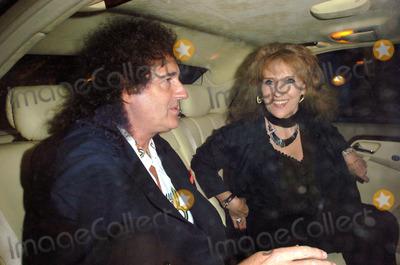 Anita Dobson Photo - 058499 Brian May and Anita Dobson Leaving the Ivy Restaurant in London 07-13-