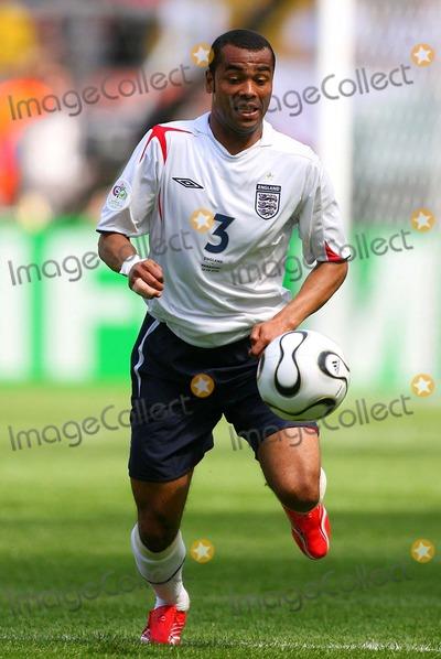 Ashley Cole Photo - England Vs Paraguay Frankfurt Germany 06-10-2006 Richard Sellers-allstar-Globe Photos Inc 2006 Ashley Cole