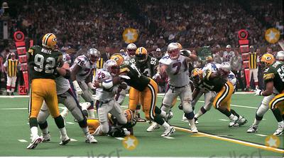 Reggie White Photo - Super Bowl Xxxi Green Bay Packer Vs the New England Patriots  New Orleans 01-26-1997 Photo John Barrett-Globe Photos Inc 1997 Reggie White Reggiewhiteretro