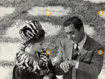 Alberto Sordi Photo - Soraya Esfadiary  Ex Epouse Du Shah Diran Dans Le Film  I Tre Volti  En 1964 DE Dino DE Laurentis Avec Alberto Sordi Princess Soraya Imapress Credit ImapressGlobe Photos Inc