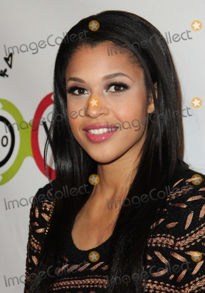 Kali Hawk Photo - Kali Hawk attends Grand Opening of Kimberly Snyders Glow Bio on 14th November 2012 Melrose Avenuewest Hollywoodcausaphoto TleopoldGlobephotos