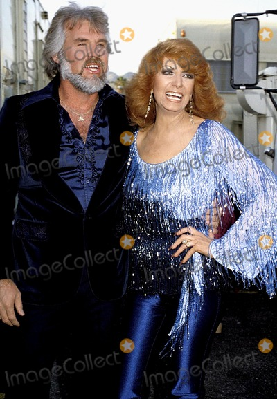 Kenny Rogers Photo - Kenny Rogers and Dottie West Photo Byphil RoachipolGlobe Photos Inc