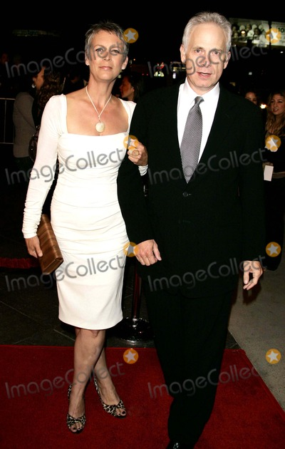 Jamie Lee Curtis Photo - Jamie Lee Curtis Christopher Guest Premiere of For Your Consideration Directors Guild Theatre Beverly Hills CA 11-13-2006 Photo by Allstar-Globe Photos
