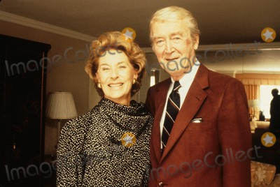 Jimmy Stewart Photo - Jimmy Stewart with Gloria Stewart N1598b Supplied by Globe Photos Inc