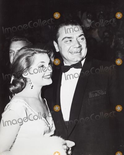 Graumans Chinese Theatre Photo - Ernest Borgnine with Karen Sharpe at the Premiere of Giant  Graumans Chinese Theatre in Los Angeles Supplied by Globe Photos Inc