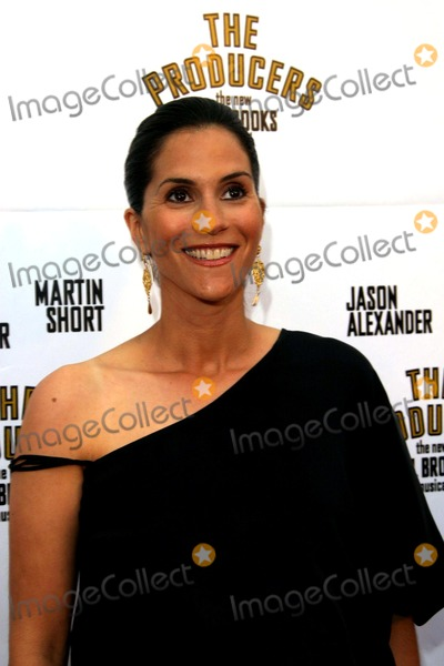 Jami Gertz Photo - Jami Gertz the Producers - Mel Brooks Musical Opening - Pantages Theater Hollywood CA - 052903 - Photo by Nina PrommerGlobe Photos Inc2003